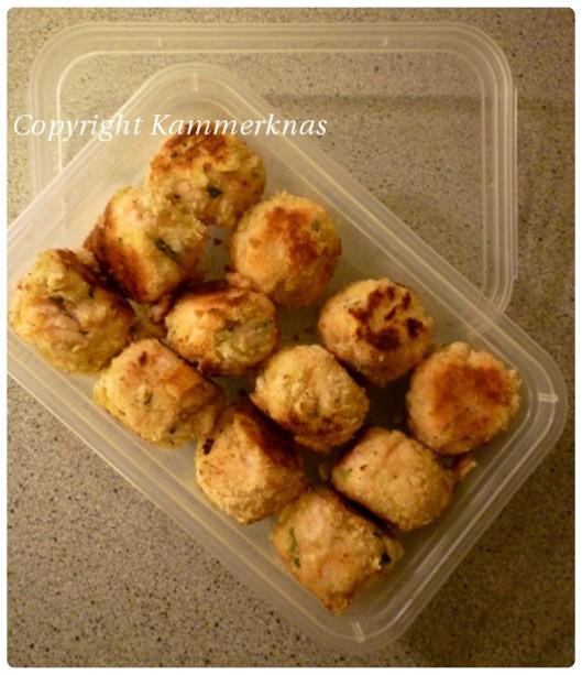 Crab cakes 8