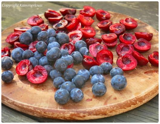 Kirsebærkage med blåbær 2